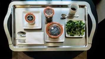 Room service hotel Mansart