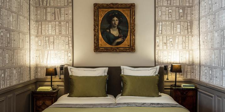 Une chambre Deluxe à l'Hôtel Mansart