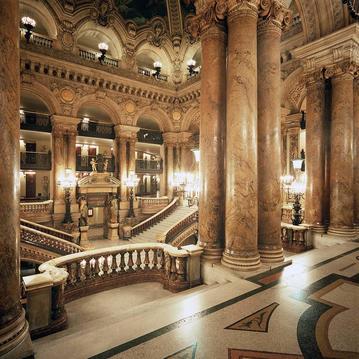 L'Opéra Garnier, à deux pas de l'Hôtel Mansart